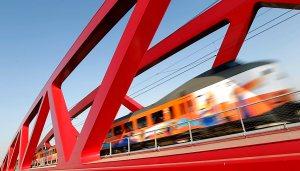 Spoorbrug Hanzelijn in gebruik